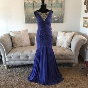 Adrianna Papell Shirred Jewelry Gown Lilac Size 8